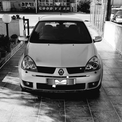 #NemosAutoWorks https://nemosautoworks.com  Beware of this sleeper which is now tuned.  #Renault #Clio #RS